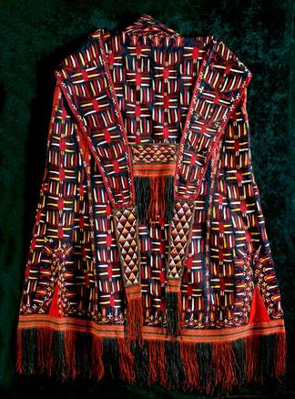Chirpy (Sleeveless wedding coat)