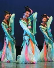 Dancer of the Tongque Stage (Tongque ji) in a 2009 restaging of Sun Yin's choreography in Zhongguo gudianwu style. (Photo: Liu Caiyun, courtesy of the Beijing Dance Academy Han-Tang Program)